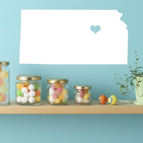 Kansas State Vinyl Wall Decal - Map Silhouette Vinyl Wall Decoration With Heart